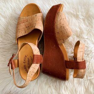 Korke-Ease Keirn Wedge Sandals Platforms Shoes